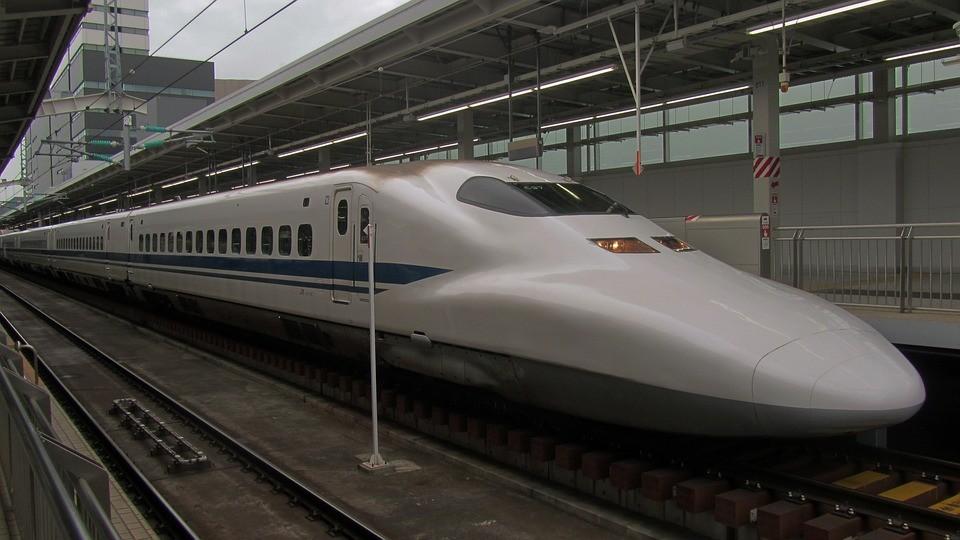 shinkansen-2712038_960_720_tnwebiste.jpg